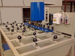Станок для шлифовки и полировки кромок стекла (фото 6)